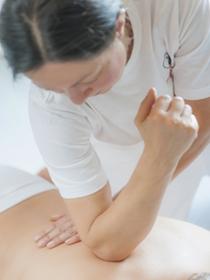 Situaciones incómodas que viven las personas con dolores de espalda
