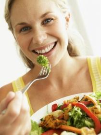 Cómo bajar una talla con las dietas detox