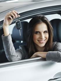 Cómo superar la timidez al conducir un coche