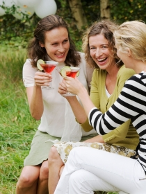 Cómo dejar de ser tímida con otras mujeres