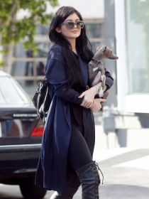 Perros de famosos: Kylie Jenner, enamorada de su galgo italiano