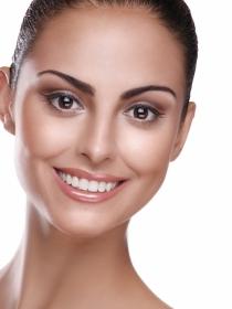 Granos en la menopausia: ¿sale acné sin la regla?