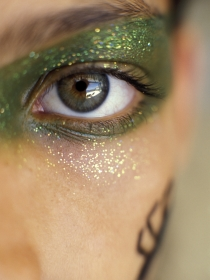 Maquillaje glamuroso para la noche de Halloween