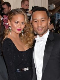 John Legend contra los haters: defiende a Chrissy Teigen