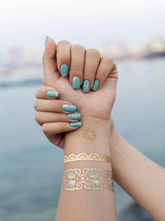 Uñas: las bracelet nails