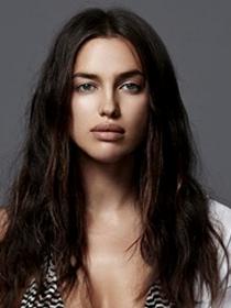 Irina Shayk, novia de Cristiano Ronaldo, calienta el ambiente posando en ropa interior