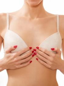 Dolor y aumento de pechos durante la menstruación