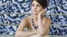 Selena Gomez aprende a cambiar pañales: su madre da a luz a una niña