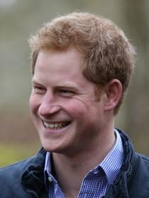 La fiesta del Príncipe Harry antes de quedarse desnudo y su regreso a casa