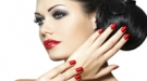 Un plan, una manicura: decora tus uñas a la moda según la ocasión