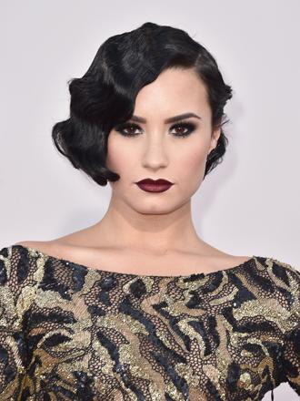 Peinados: Consigue las lindas ondas al agua de Demi Lovato