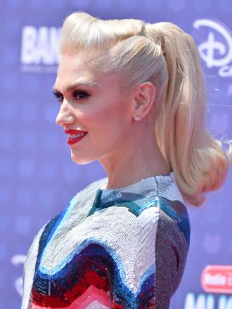 Peinados: así es la coleta retro de Gwen Stefani paso a paso
