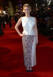 Jennifer Lawrence, look elegante y original en Los Juegos del Hambre