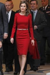 Letizia se viste de rojo pasión: su apuesta segura