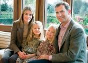 La estampa familiar de Letizia, el Príncipe, Leonor y Sofía vuelve en la felicitación de 2011