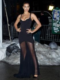 Irina Shayk, con un look de lo más sexy en la nieve
