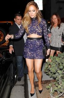 Jennifer Lopez no acertó en esta ocasión con su look