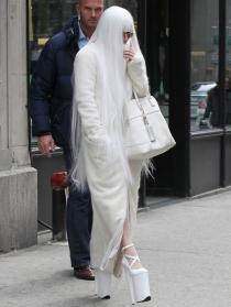 Lady Gaga, disfrazada de fantasma de la ópera