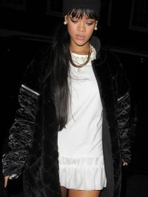 Rihanna, sencilla y elegante para su cena con su nuevo novio, Drake