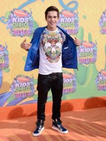 Austin Mahone, en la alfombra roja de los Kids Choice Awards 2014
