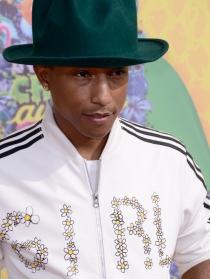 Pharrell Williams, un seductor en los Kids Choice Awards 2014