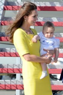 Kate Middleton, tentando a la suerte con un vestido amarillo