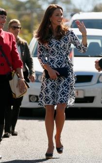Kate Middleton, sonriente y muy primaveral