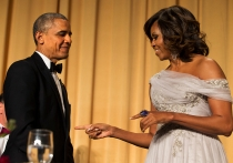 Michelle Obama, bromista y muy elegante en la Casa Blanca