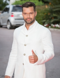 Ricky Martin, como un ángel en los World Music Awards