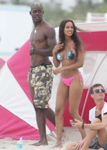 Balotelli y su espectacular novia, Fanny Neguesha, en Miami