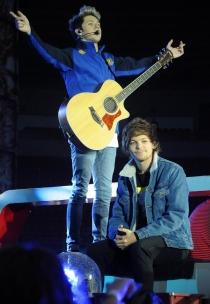 Niall Horan y Louis Tomlinson, durante la gira WWAT