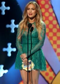 Jennifer Lopez, demasiado juvenil en los Teen Choice Awards 2014