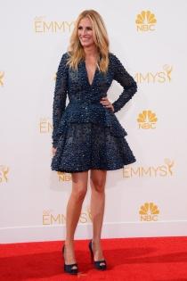 Julia Roberts, la única que arriesgó con un vestido corto en los Emmy 2014