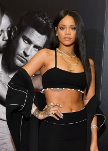 Rihanna, la imagen más sexy de 'Rogue man'