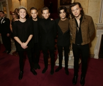 One Direction, con la casa Real Inglesa