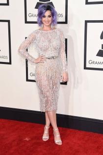 Katy Perry, atrevida y llamativa en los Grammys 2015