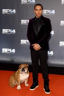 Mascotas famosos: Lewis Hamilton, un perro de alfombra roja