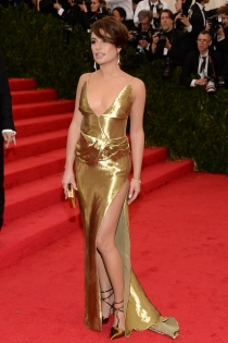 Lea Michele, dorada en la gala del MET