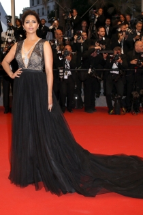 Cannes 2015: Camila Alves, muy sexy
