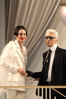 Kendall Jenner y Karl Lagarfeld, juntos por Chanel