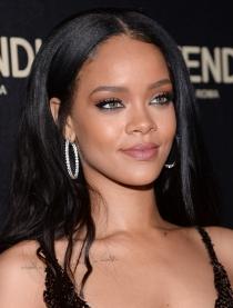 Famosas con los ojos bonitos: la mirada de Rihanna