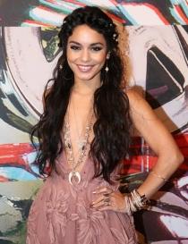 Escotes en V: los vestidos más sexys de los VMA 2015