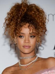 Famosas con la piel bonita: Rihanna