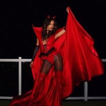Halloween en Instagram: Alessandra Ambrosio, sexy diablesa