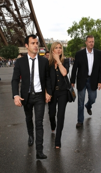 Jennifer Aniston y Justin Theroux, juntos de la mano