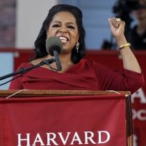 Oprah Winfrey, por el empoderamiento femenino en Harvard