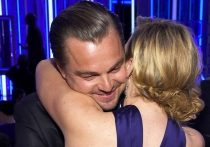 Los abrazos de Kate Winslet y Leo DiCaprio, un clásico