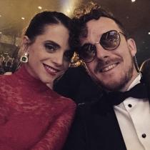 Aldo Comas, con Macarena Gómez en los premios Goya