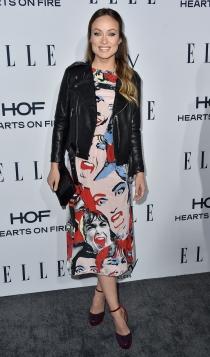 Cazadoras de cuero: un toque rock para Olivia Wilde