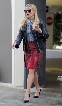 Cazadoras de cuero: un toque el estilo lady de Reese Witherspoon